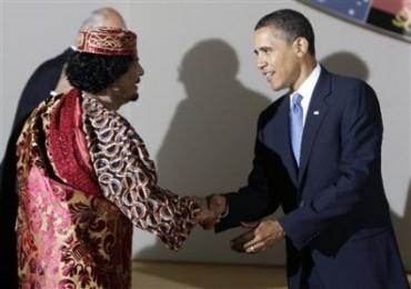 poignee-de-main-historique-entre-obama-et-khadafi