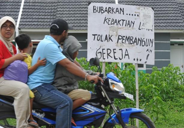 INDONESIA-RELIGION-ISLAM-CHRISTMAS-VIOLENCE