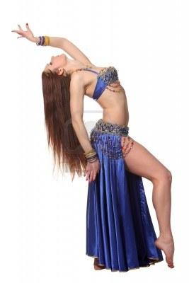 9884293-joven-bella-bailarina-de-vientre-en-un-traje-azul
