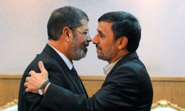 Iranian President Mahmoud Ahmadinejad (R