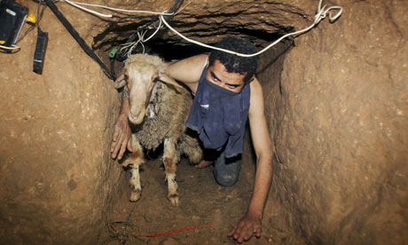 Palestinian-smuggler-move-001