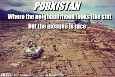 Porkistan solo queda la mezquita en pie