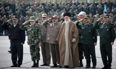 revolutionary_guards_khamenei