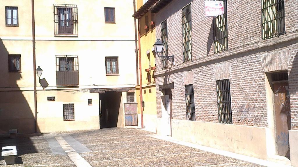 Plaza de la juderia, muy cerca de donde vivió Cervantes