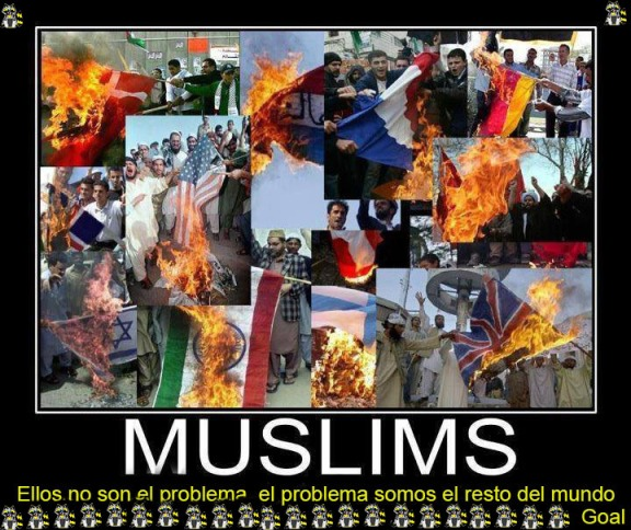 Moros quemando banderas de todos los paises