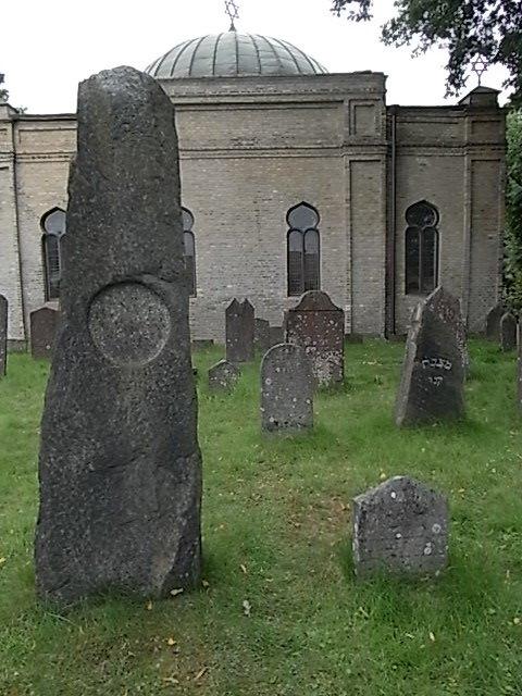 detrc3a1s-de-la-capilla-cementerio-judio-gotemburgo-foto6
