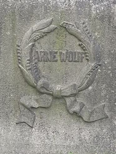 inscripcion-en-estela-funeraria-cementerio-judio-gotemburgo-foto7