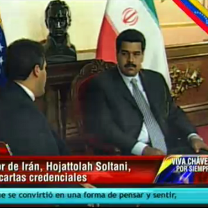 Nicolas-recibe-a-embajador-irani