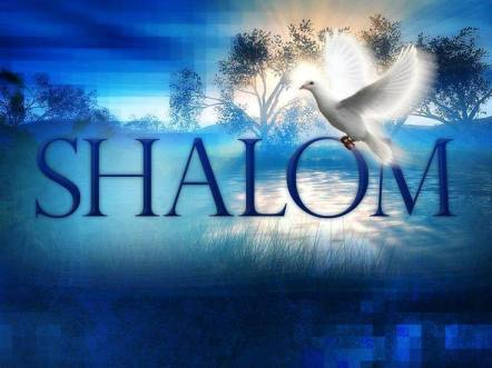 Shalom en azul con paloma blanca en paisaje con rio
