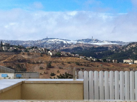 Vistas desde Maaleh Adumin de la Ciudad Santa.