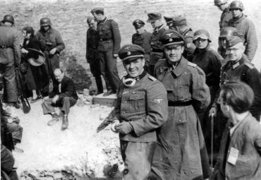 Detenidos tres guardas de Auschwitz en una operación contra criminales nazis