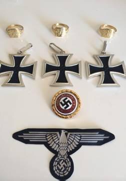 La mujer de un concejal de España 2000 en Silla vende objetos de simbología nazi