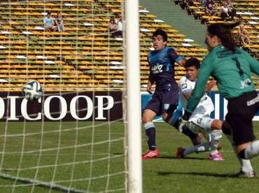Belgrano-Racing-enfrentaron-Cordoba_OLEIMA20140928_0128_8