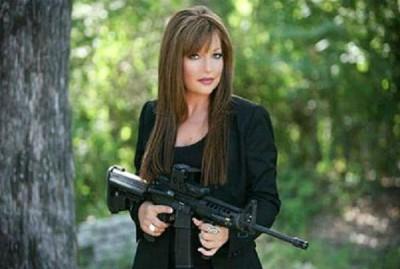 La dueña del Campo interior de tiro Gun Cave en Hot Springs Arkansas, ha declarado su territorio zona libre de musulmanes por el terror doméstico causado por fieles islamistas.