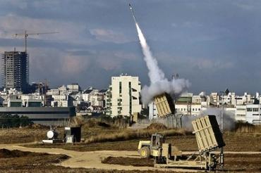 El Cúpula de Hierro en acción protegiendo a los israelíes.