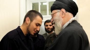 Ayatola con comandante de Hezbolá y su padre