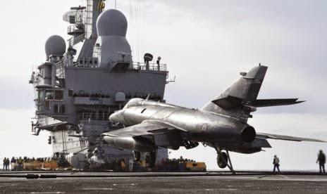 fafd4-la-proxima-guerra-francia-envia-portaaviones-charles-de-gaulle-contra-el-estado-islamico
