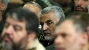 Jefe de la Fuerza Quds de la Guardia Revolucionaria de Irán, Qasem Soleimani, asiste a una reunión de los comandantes de la Guardia Revolucionaria en Teherán, Irán, 17 de septiembre de 2013. (Crédito de la foto: / AP Oficina del Líder Supremo iraní, archivo)