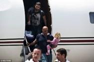 Alon y Amir Michaeli Molian aterrizan en Israel tras el rescate en Nepal
