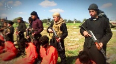 ISIS New Video Shows Beheading of 8 Shiites in Syria's Hama