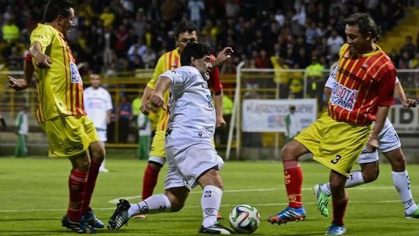 Maradona-Partido-Paz-Colombia-AFP_CLAIMA20150411_0082_27