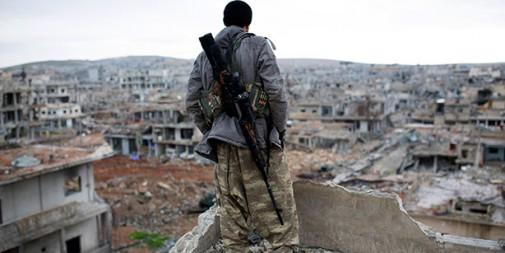 Francotirador kurdo en Kobani