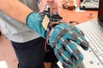 robot-avatar-arm-640x425