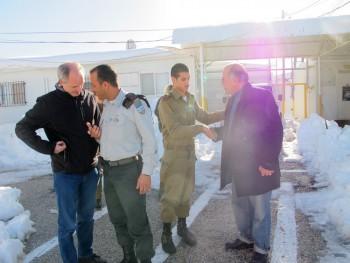 IDF cooperando para la navidad de los árabes
