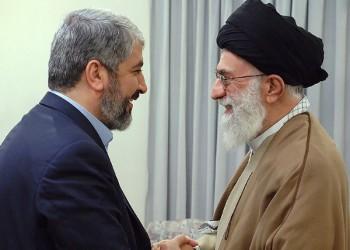 """Reducir la brecha entre sunitas y chiítas, para el objetivo de genocidio: el líder de Hamas Khaled Meshaal (izquierda) conversa con Irán """"Líder Supremo"""" Alí Jamenei, en 2010. (Fuente de la imagen: Oficina del Líder Supremo)"""