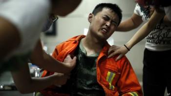 Miembros del equipo de bomberos están entre los muertos y heridos.