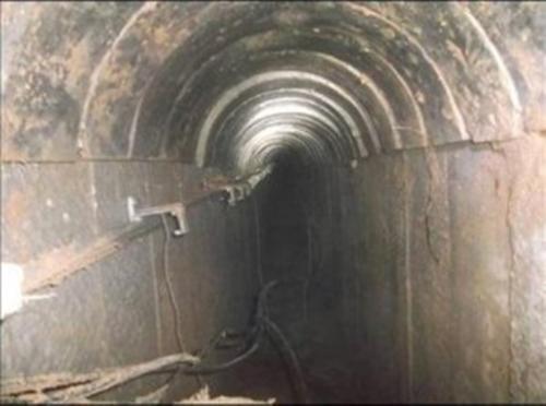 tunnel-2-300x223