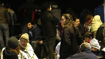En Valparaíso, la gente permaneció en las calles durante la noche.
