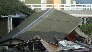 Casa destruida en Concón. Este jueves continuaban intensas réplicas del fuerte terremoto.