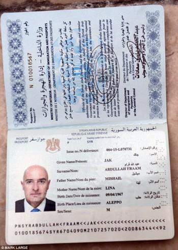 Dead man walking: El pasaporte estaba en el nombre de un hombre de verdad que había muerto en la ciudad siria de Alepo.