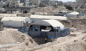 Carpas oculta tuneles en Gaza.