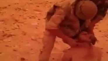 Degollamiento de un jihadista por tropas de Assad