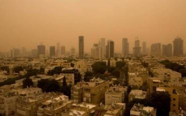 Tel Aviv bajo tormenta de arena