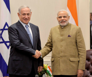 PM Netanyahu y de la India PM Neranda Modi se reúnen en la ONU en septiembre. (Avi Ohayon / GPO / Flash90)