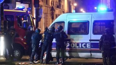 hollande-ordena-el-estado-de-emergencia-y-el-cierre-de-las-fronteras-tras-los-atentados