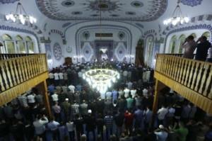 Moros en la mezquita Merkez Buyuk Cami en Dortmund