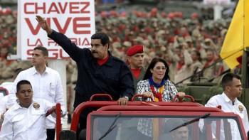 """Cilia Flores, de 62 años y a la que Maduro llama la """"primera combatiente"""", juega un rol político de primer nivel en el gobierno de su esposo."""