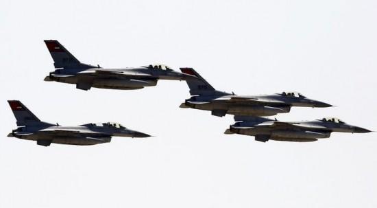 Cazas egipcios entran en Gaza