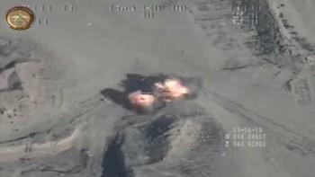 La grabación, realizada por un dron -y publicada por el Ejército de Irak en YouTube-, ha sido realizada durante las últimas horas en Samarra, ciudad situada al norte de Bagdad, e incluye también otros ataques de los mentados contra instalaciones de los yihadistas.