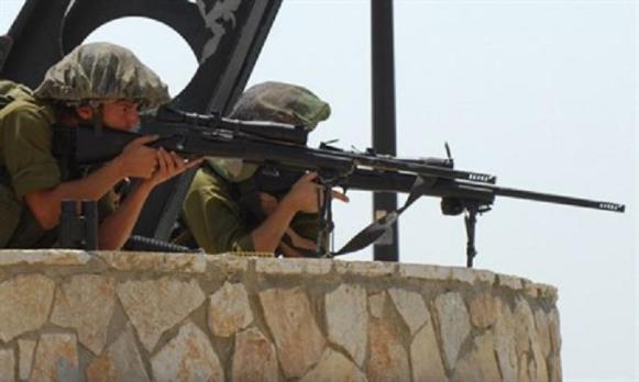TIRADOR DEL SAS VUELA LA CABEZA AL DECAPITADOR DEL ISIS CON RIFLE ISRAELÍ