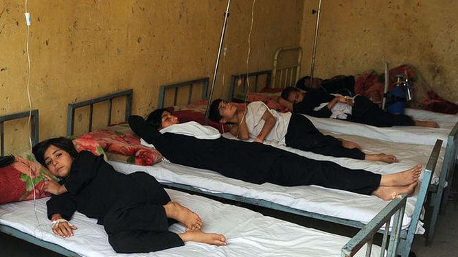 alumnas-envenenadas-colegio-Afganistan_910420174_103500088_667x375