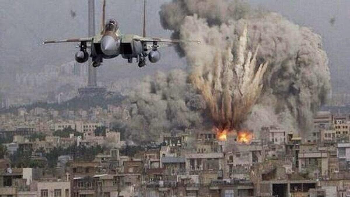avion-israeli-bombardeando-franja-de-gaza