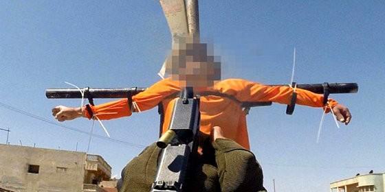 Crucificado por el ISIS en Raqqa
